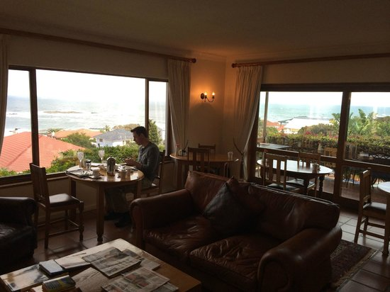 The Bay Atlantic Guest House: Breakfast Room w/ 180 Degree View