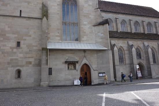 Église Fraumünster : entrance