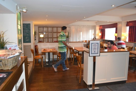 BEST WESTERN PLUS Hotel Haaga: кафе