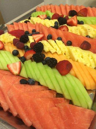The Modern Honolulu: Fresh fruit platter