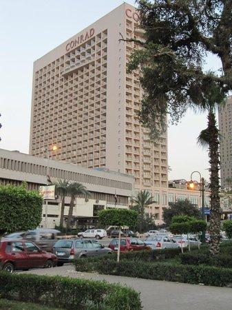 Conrad Cairo: View of hotel from Corniche