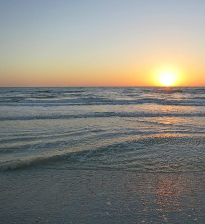 Hilton Marco Island Beach Resort: Just another beautiful Marco Island Gulf sunset, ah....