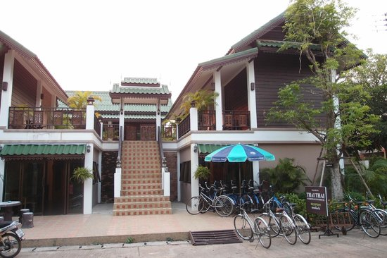 Thai Thai Sukhothai Guest House : 2-storeys buildings for twin and double rooms