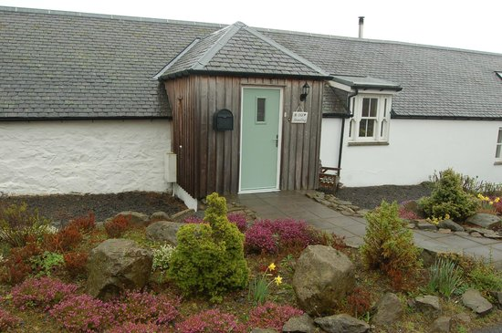 Dalnoid Holiday Cottages: Front entrance to Old Steading