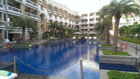 ITC Grand Chola, Chennai: Pool area