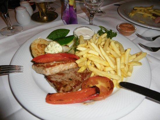 Cordial Golf & Wellness Hotel Reith: Essen im Restaurant - lecker!