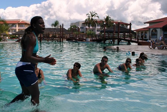 Grand Palladium Imbassai Resort & Spa: Spinning bajo el agua