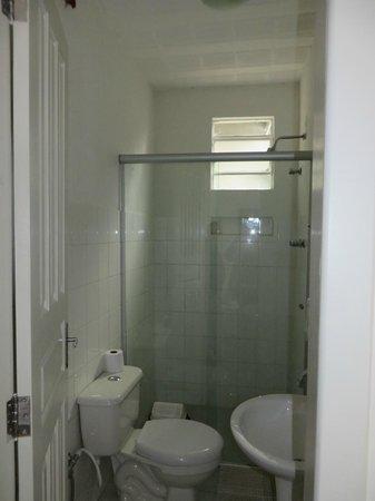 Hostel 300: Das Bad - sauber und funktionell