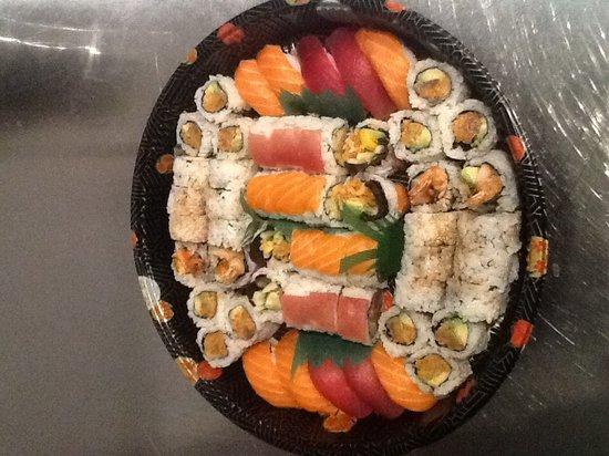 Taika & Sugarcreek Lounge: Sushi platter