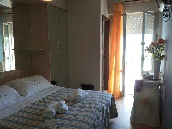 Hotel Mocambo: Camera arredata con gusto squisito