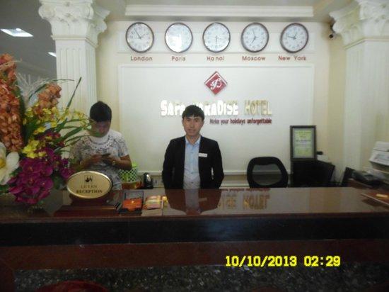 Sapa Paradise Hotel: reception- Tam