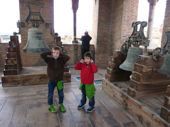 Torre de San Salvador: Arriba con las campanas