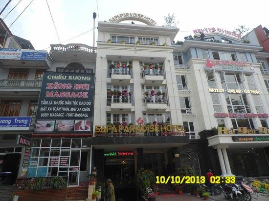 Sapa Paradise Hotel: Front - hotel