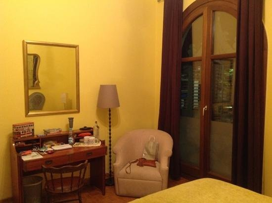 BarcelonaBB: yellow room