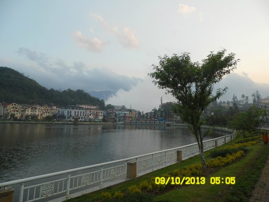 Sapa Paradise Hotel: The lake - 50 meters from hotel