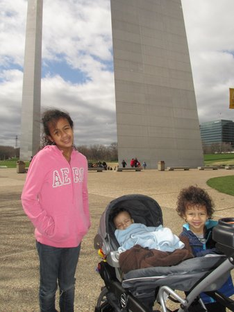 Gateway Arch: Outside The Arch