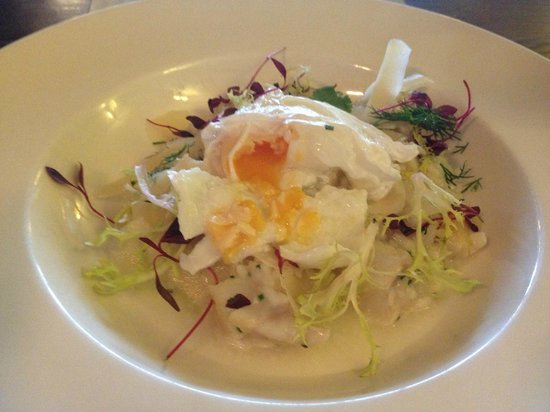 Burt's Hotel: Risotto, the egg is perfect