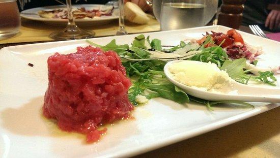 Osteria Kamollia : Tartara di chianina con tartufo bianco