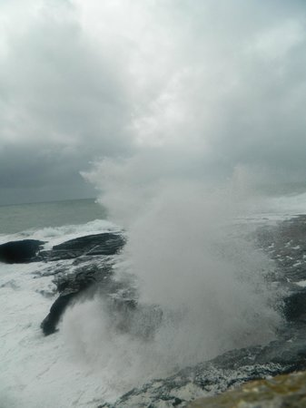 Hook Lighthouse: Waves and sea spray