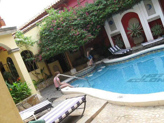 Hotel Colonial: Great rooms overlooking the pool