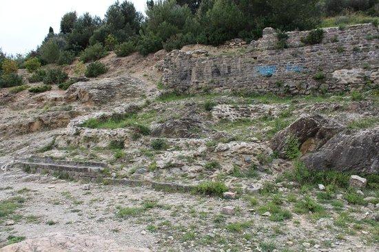 Via Julia Augusta: resti con scritte (non antiche)