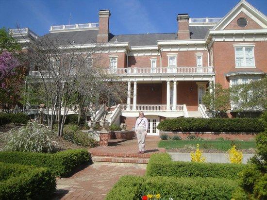 Executive Mansion : Garden view