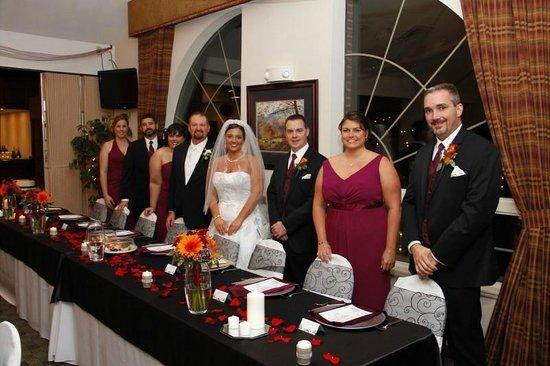 Black Bear Inn & Suites: Reception Decor