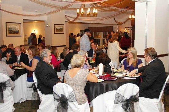 Black Bear Inn & Suites: Ballroom