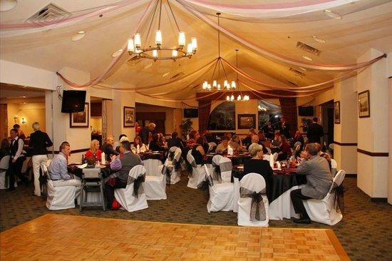 Black Bear Inn & Suites: Inside Ballroom