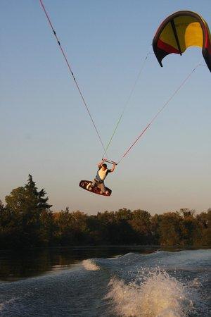 Yoaneye Kitesurfing : wake-kite by Francky