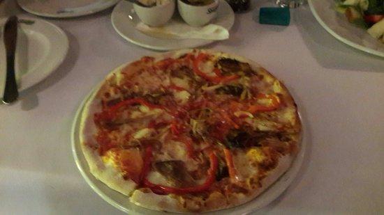 Tony's Spaghetti Grill: Pulled pork pizza