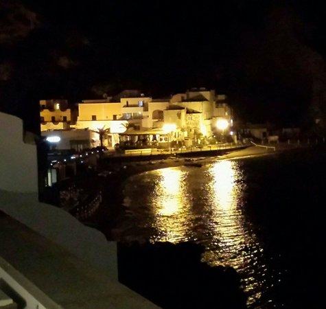 Casa Celestino: Vista dalla camera n 15 Dell hotel  a Casa di Celestino.Sant 'Angelo . Ischia 1 maggio 2014