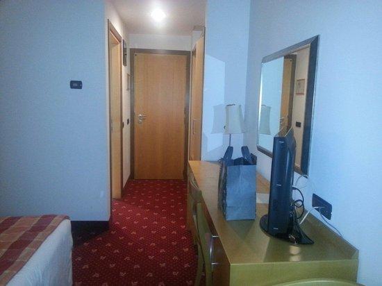 SHG Grand Hotel Milano Malpensa: Un partie de la chambre