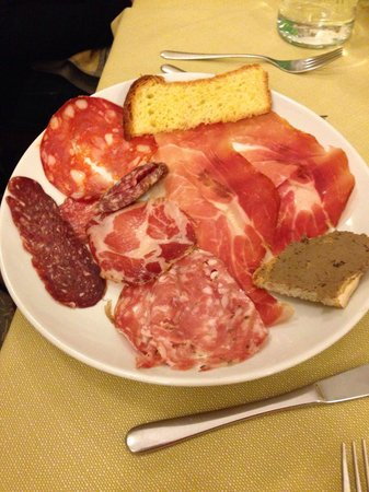 Ristorante Al Pozzo Etrusco da Giovanni : 1^ porta di 3 dell'antipasto...