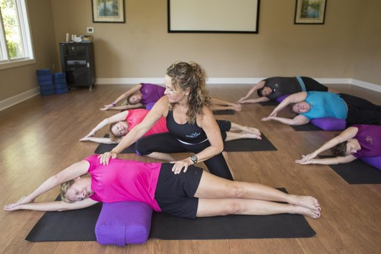 Hilton Head Health: Fitness: Group Yoga