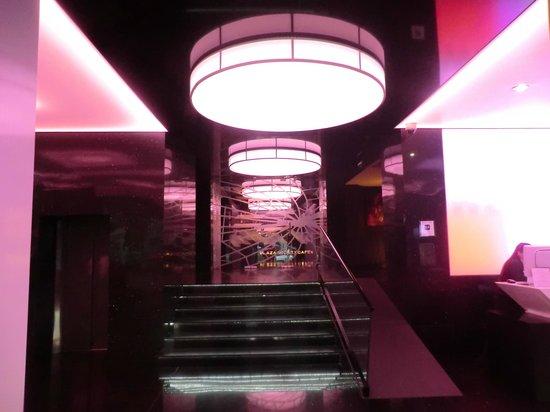 Plaza V & Plaza V Executive Hotel: Бар
