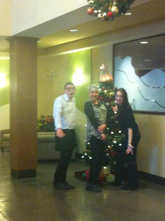 Holiday Inn Canmore: Enjoying the staff
