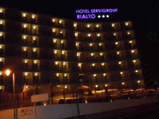 Servigroup Rialto : Hotel Rialto at night