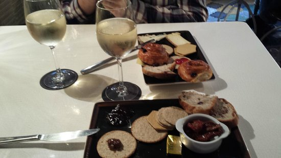 The Z Hotel Soho: Aperitivo Cheese & Wine
