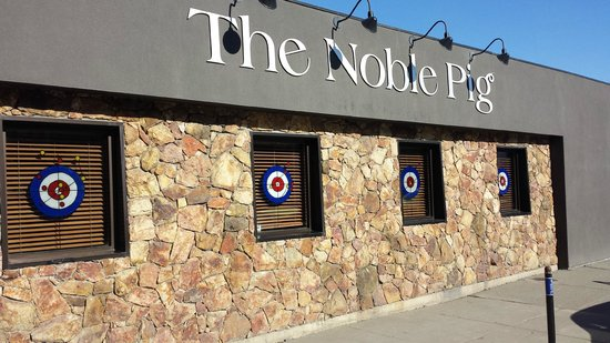 The Noble Pig Brewhouse: Windows painted for the 2014 Kamloops Brier