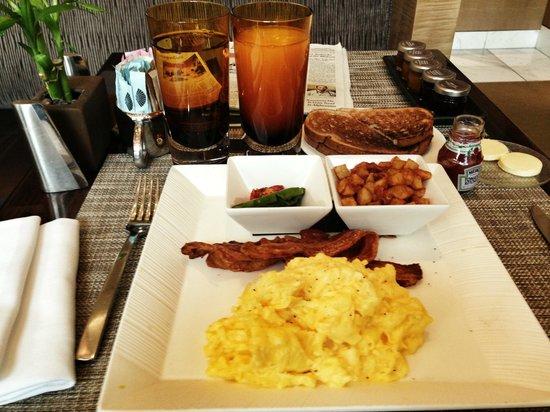 Mandarin Oriental, Las Vegas: Breakfast at Mozen Bistro