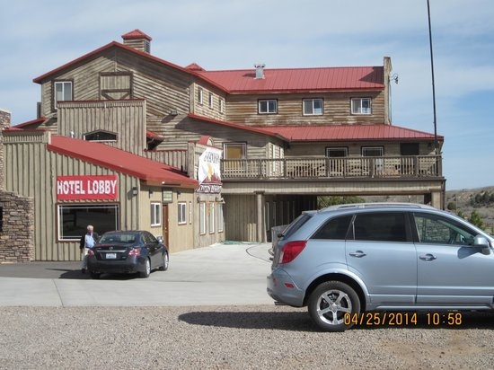Quality Inn Bryce Canyon: Resembles a trading post