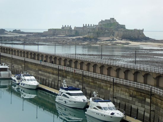 Radisson Blu Waterfront Hotel, Jersey: View from sitting room