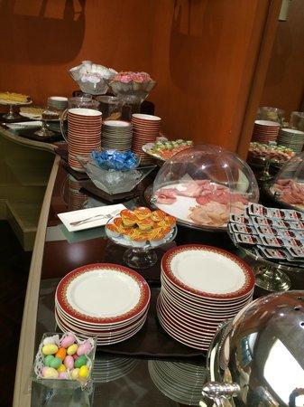 Hotel Dei Borgognoni: Breakfast