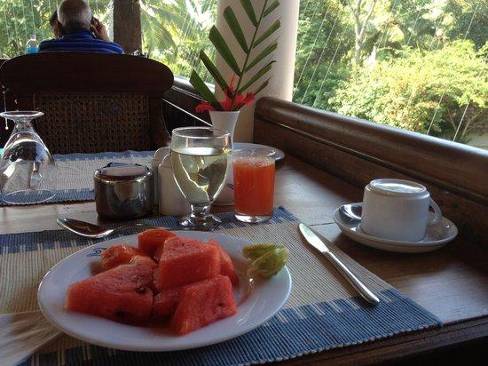 The Travancore Heritage Beach Resort: завтрак