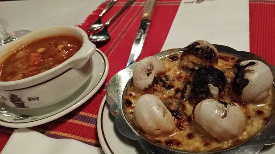 The Ship: soup and escargots