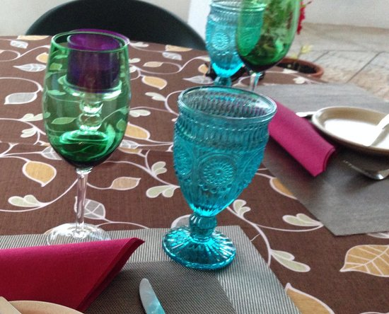 Oliveira Dourada: Loved the table setting