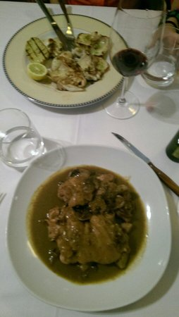 El Pedro: Porc with mushrooms and fried sepia with oil and garlic.