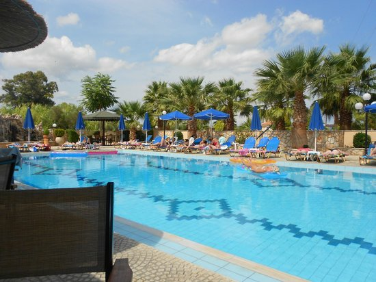 Paradise Apartments & Studios: pool