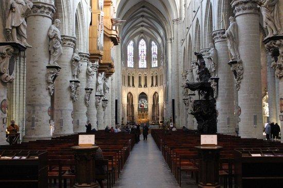 Cathédrale Saints-Michel-et-Gudule de Bruxelles : Очень светлый собор